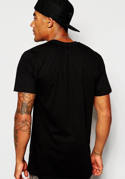 T-Shirt DJ at work